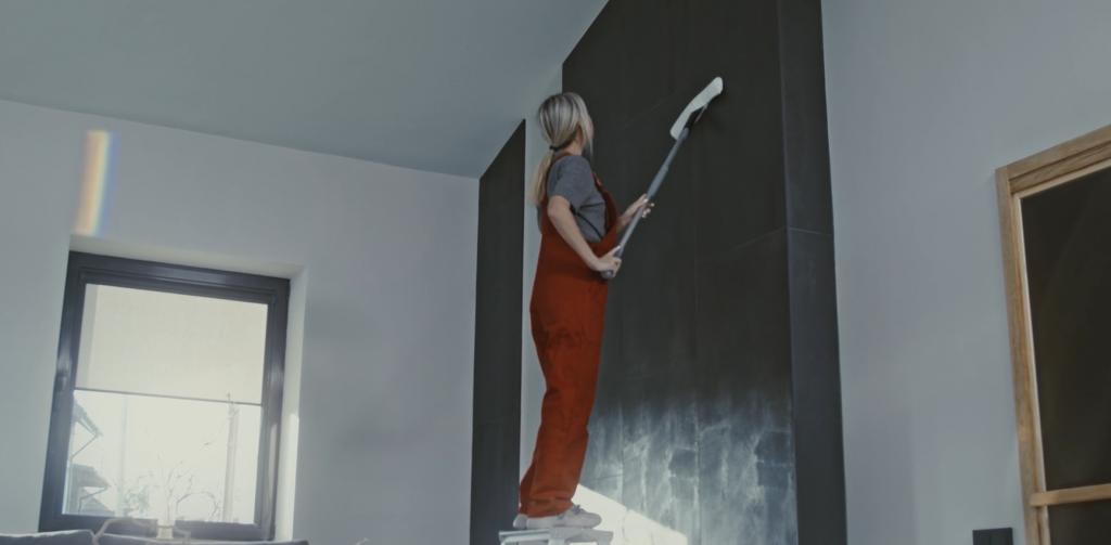 rengøring af væggen