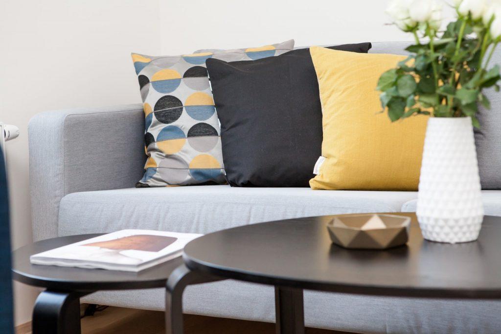 ren sofa